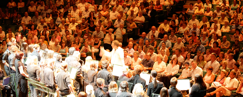Combined-Saxophone-Choirs-at-St-David's-Hall